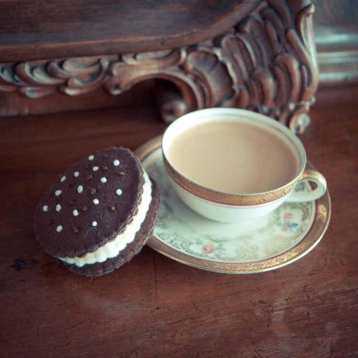 Handmade by Martha Stark tags: #handmade #marthastark made of #felt #decoration #rekodzielo #bead #thread #brown #fancywork #cookie #cake #coffee #cup #vintage #old