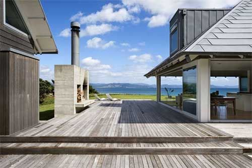 Kuaotunu-House-Holyday-Beach-House-Design-with-Sliding-Glass-Walls-2.jpg 500×335…