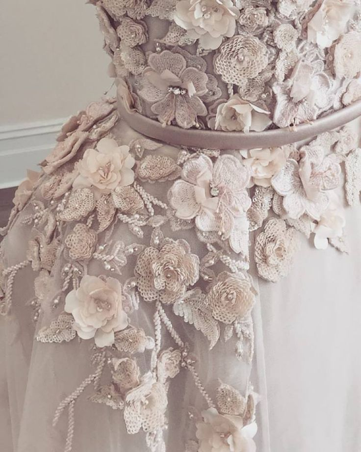 Paolo Sebastian Haute Couture - beautiful detailing #couture #love #wedding #detail #floral #lace #bride