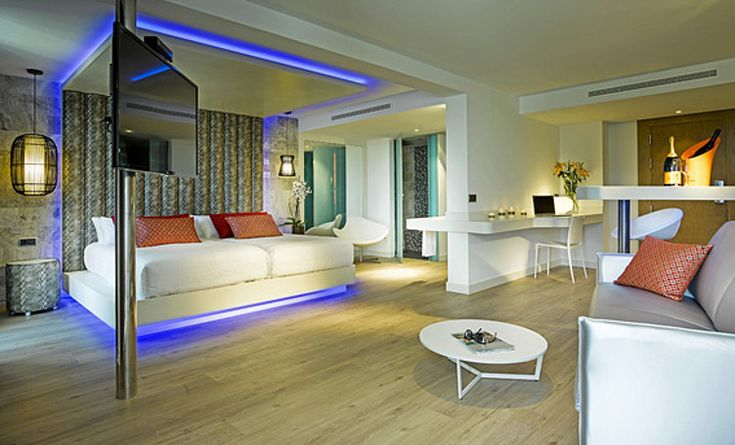 Hard Rock Hotel Ibiza skai® Aythana N black & white