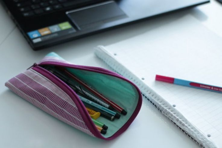 Brillenetui und Stiftemäppchen