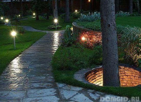 Landschap verlichting ontwerp van een tuin site met je eigen handen, nuttige tips - Home Advices
