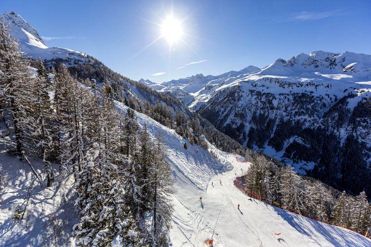 La station - Piste du Seuil  | Valfréjus, station de ski Savoie, Maurienne - Vacances ski : domaine skiable, forfait, webcam, météo  ©P.Jacques