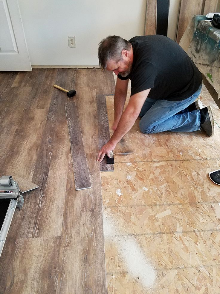 A How To Guide For Installing Vinyl Floors No Underlayment And No Power Tools Neede Installing Vinyl Plank Flooring Vinyl Plank Flooring Laying Vinyl Flooring