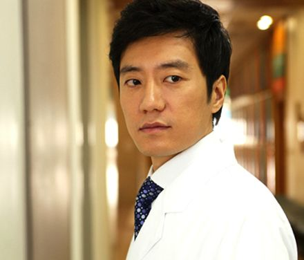 15 Kdrama doctors so perfect they'll make you sick: White Tower