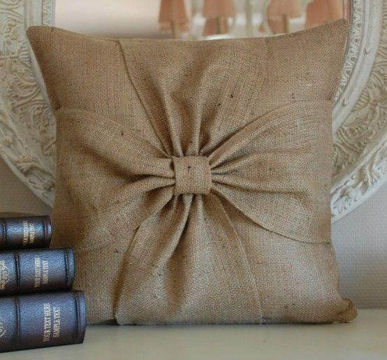 Want to make this burlap pillow.