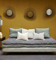 Des couleurs claires pour agrandir un petit salon - Marie Claire Maison