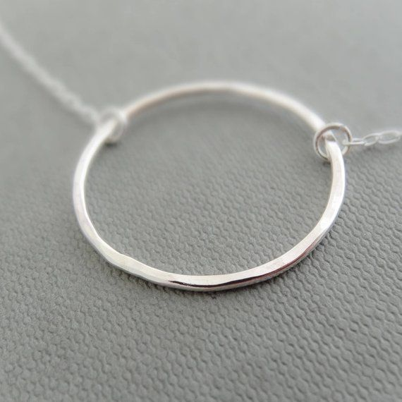 collier argent circle