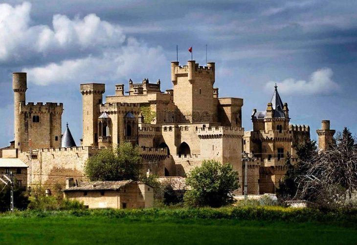 El Palacio Real de Olite, una obra maestra de España que parece sacado de un cuento