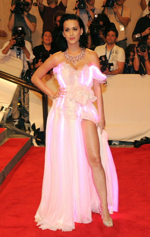 1103 best Celebirty legs images on Pinterest | Celebs, Famous women ...