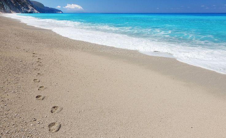 Μωσαϊκό: ...απολαμβάνουμε τον ήλιο και τις παραλίες...