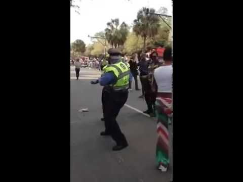 Cops Doing the Wobble Dance at Mardi Gras Parade in New Orleans - YouTube