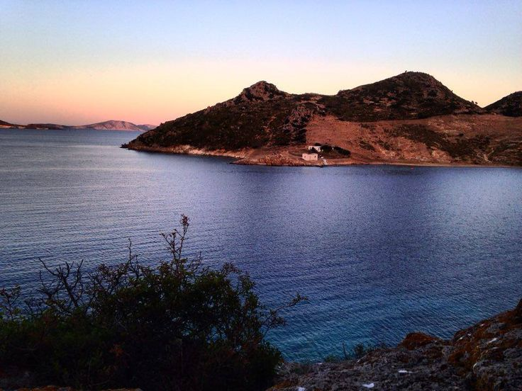 #Patmos, this beautiful yet mysterious island, attracts travelers looking for tranquility. Choose to spend your #holidays here and the idyllic atmosphere will amaze you.. More: http://goo.gl/XFKIYW #patmosaktis #grikos