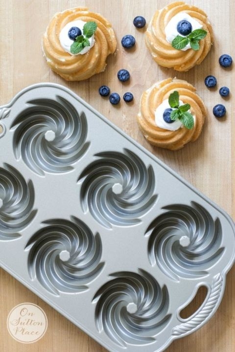 Mini Angel Food Bundt Cakes | A beautiful and fat-free dessert. Easy and fast! | Baked in Nordic Ware Bundtlette Pan.