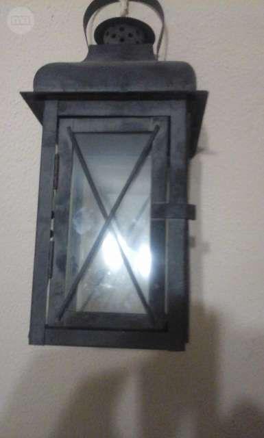 . Vendo este viejo candil esta en perfecto estado color negro queda precioso con una vela encendido interesados contactar con jose