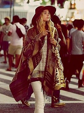 Hippie-boho seriously becomes most interesting when the style adjusts for fall and winter. This hot poncho is case in point.