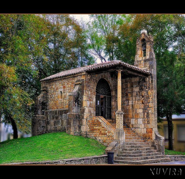 Spain La capilla de Santa Cruz en Cangas de Onis