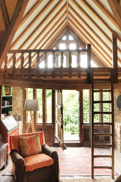 Image from http://cdni.condenast.co.uk/426x639/d_f/December-issue-House-30Oct14-Simon-Brown_b_426x639.jpg.