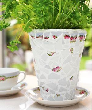 Make a mosaic flowerpot