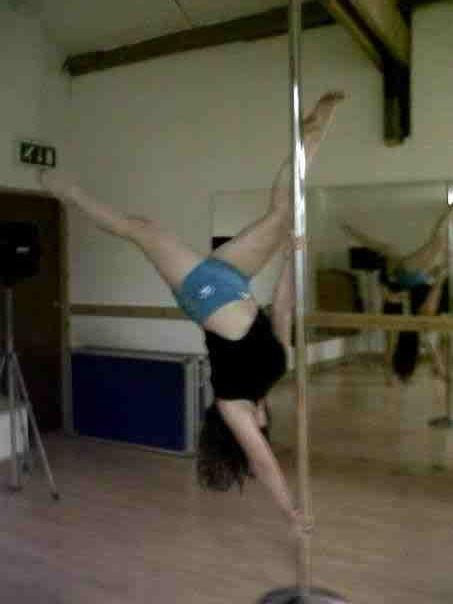 Pole dance  pole trick-butterfly  Pole fittness  Poleshow