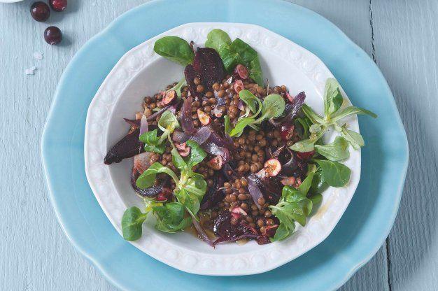 http://www.apetitonline.cz/recept/krupavy-salat-s-cockou-a-brusinkami
