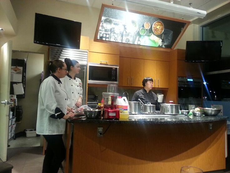 Taking a cooking class (November 20, 2014)