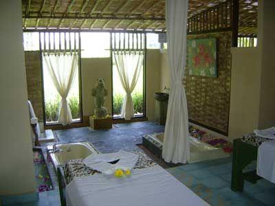 Çantika Sok Wayah's massage room