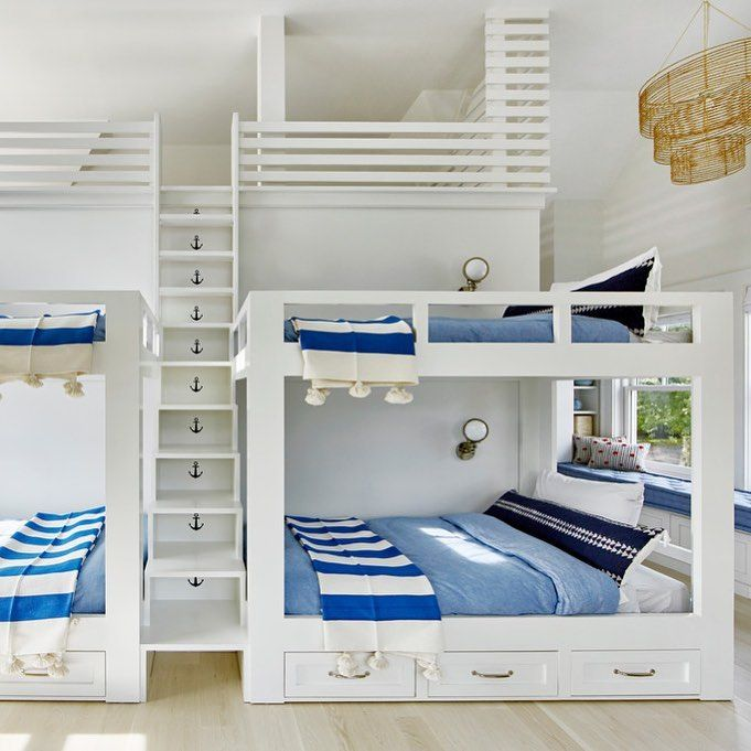 "2,709 gilla-markeringar, 28 kommentarer - domino (@dominomag) på Instagram: ""We'd bunk here any night of the summer. See more of this Hamptons home full of fun design ideas via…"""