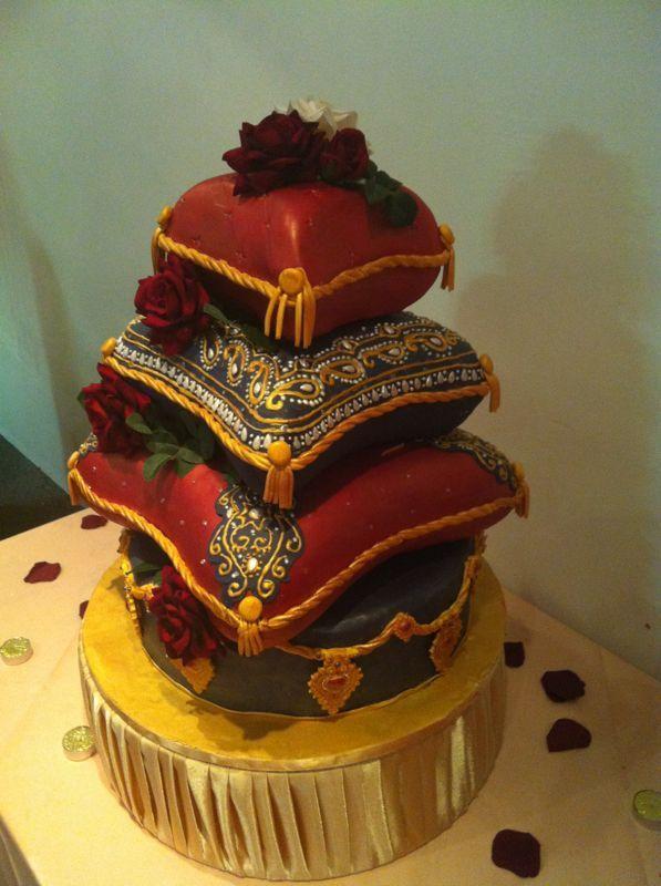 Pillow wedding cakes
