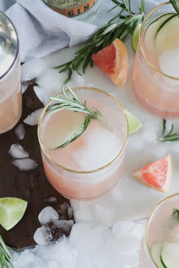 Grapefruit Gin Fizz Cocktail with Rosemary Garnish #cocktailrecipes #gin #grapef…