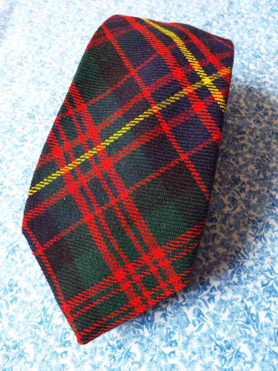 Vintage Country Scottish Tweed Duncan & Stewart Cameron Erracht Tartan Men's Tie Wool