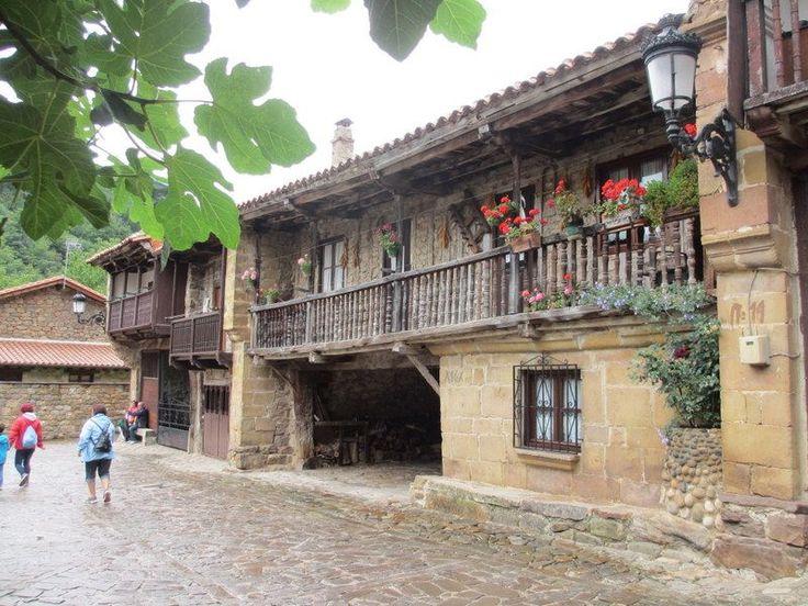 スペイン国家遺産!石造りの村「バルセナ・マジョール」 | スペイン | [たびねす] by Travel.jphttp://guide.travel.co.jp/article/5983/