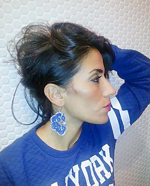 http://www.misshobby.com/it/oggetti/orecchini-pendenti-con-perla-in-vetro-ovale-con-la-tecnica-del-chiacchierino