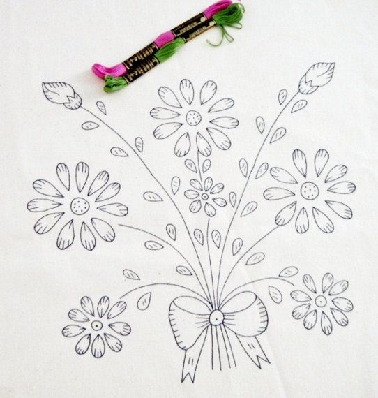 FREE SHIPPING - Floral Bouquet pattern, diy embroidery kit, embroidered napkin, printed fabric, needlework design Más