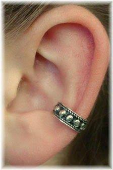 Ben Getirdim Sizi Bu Hale: Ear Cruff / Kulak Kelepçeleri Hala Trend