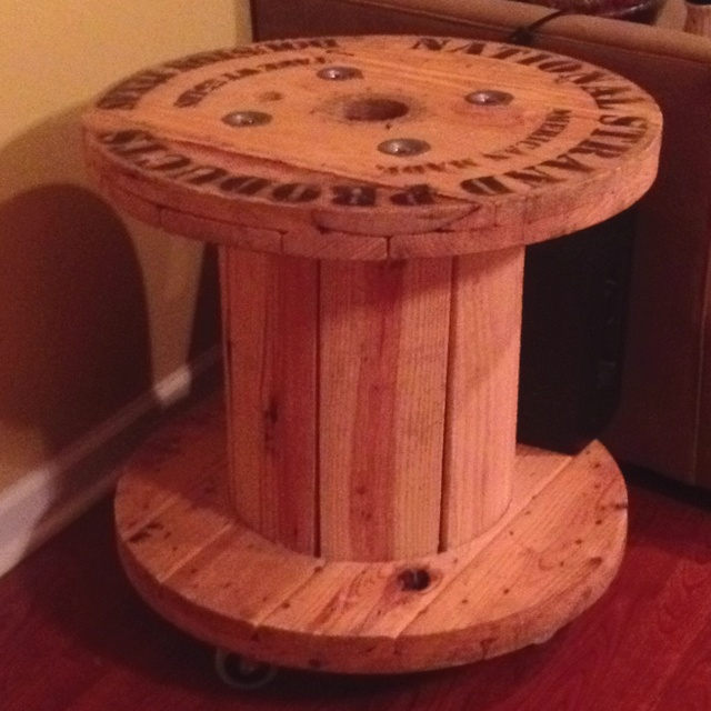 Electrical Wire Spool : End table to match my pallet old electric wire