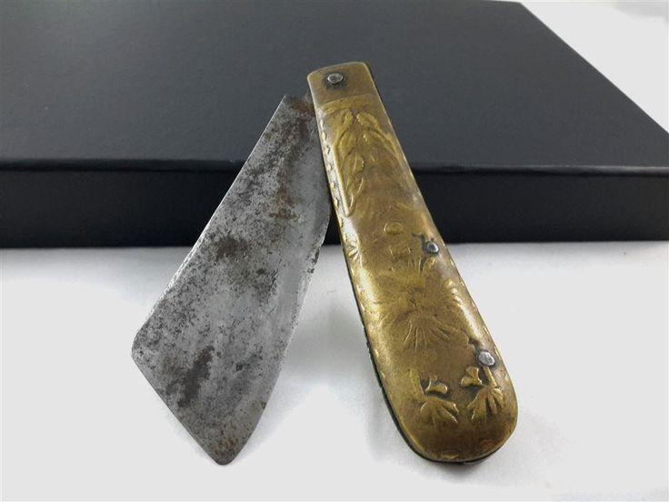 Trevlig lommekniv av Anders Persson i Loshult Mäter 10cm ihopfälld och 18.5cm utfälld.