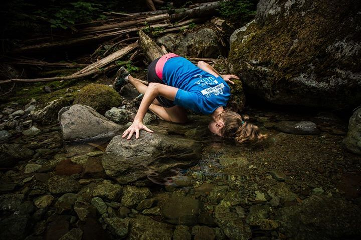 Cooling off naturally at the Squamish 50. v/ @Arc'teryx #Trail #UltraTrail