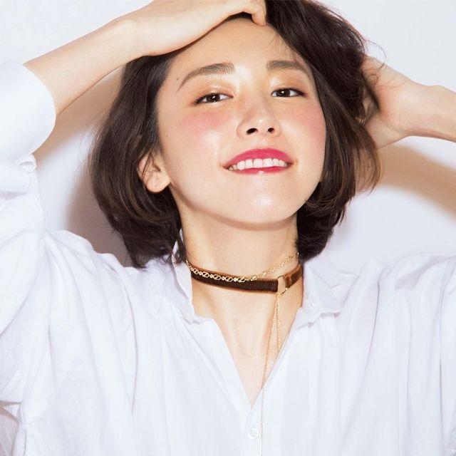 講談社 withオフィシャルサイト | 「この秋チョーカーデビューしました!」新垣結衣さんの最近の小物事情