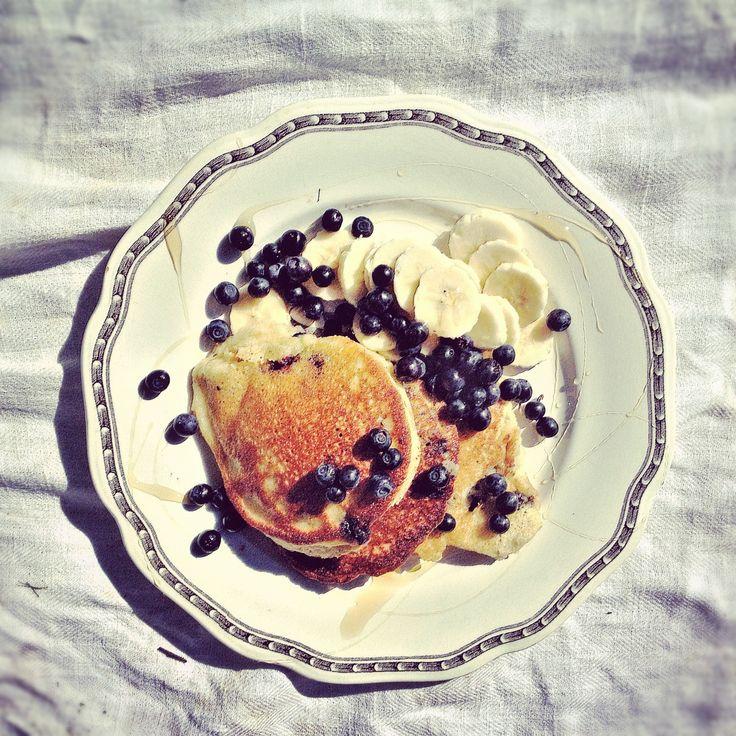 Blueberry Pancakes with Almond Flour