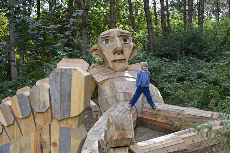 Thomas on the Mountain - Thomas Dambo  Artist Hides Giant Sculptures in Copenhagen Forest