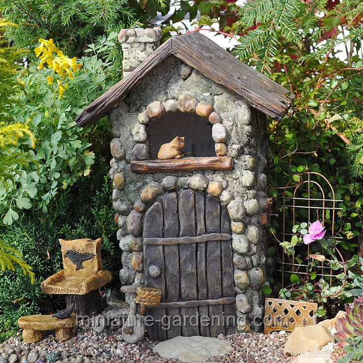 Katie's Cottage - fairy garden