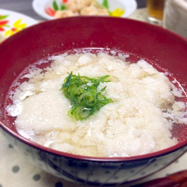ささみと卵白ミキサーでまぜて、中華スープにしてみました♫  ってこれ、去年お料理教室で習ったやつやけども(人•ᴗ•)♡  残った黄身は、おにままさんの黄身醤油にして、仕込んでます♡♡♡  あっさり中華スープで美味しかった(*•ㅅ•)♡ - 97件のもぐもぐ - おぼろ豆腐風スープ♡ by sakurapandasan