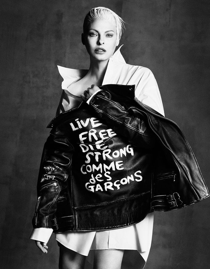 Linda Evangelista wearing Comme des Garçons for Vogue Japan, September 2014. This issue features some particularly extraordinary fashion photography by Iango Henzi & Luigi Murenu.
