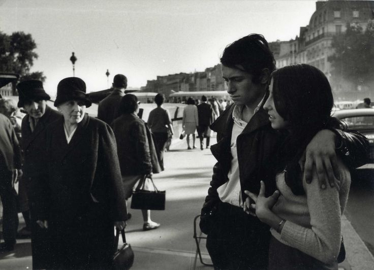 Doisneau. On the banks of the Seine