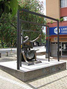 La Dama del Espejo - Salvador Arango - Medellín - Colombia