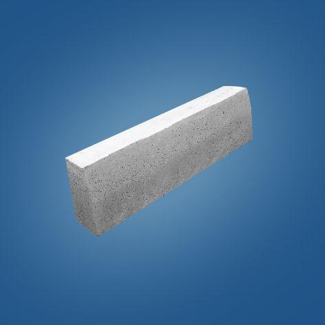 Meio Fio de Concreto.    Medidas:     25x10x08x100cm    30x12x10x100cm indicado para calçadas e acabamentos de obras.