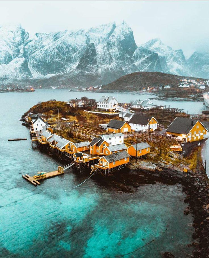 Sakrisøy, Norwegia. 📸 Long Cheng.explorer