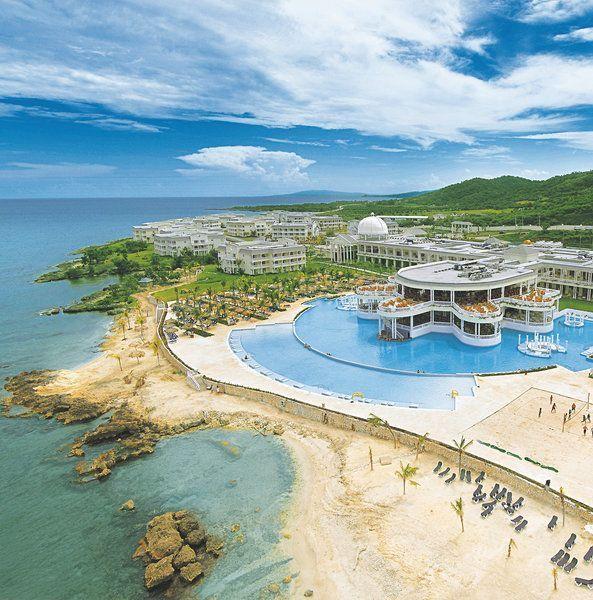 The Newly Renovated Grand Palladium Lady Hamilton Resort Spa