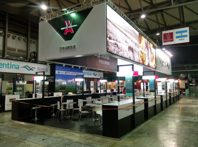 Exhibition Stand Builders Es : Best images about booth design on pinterest